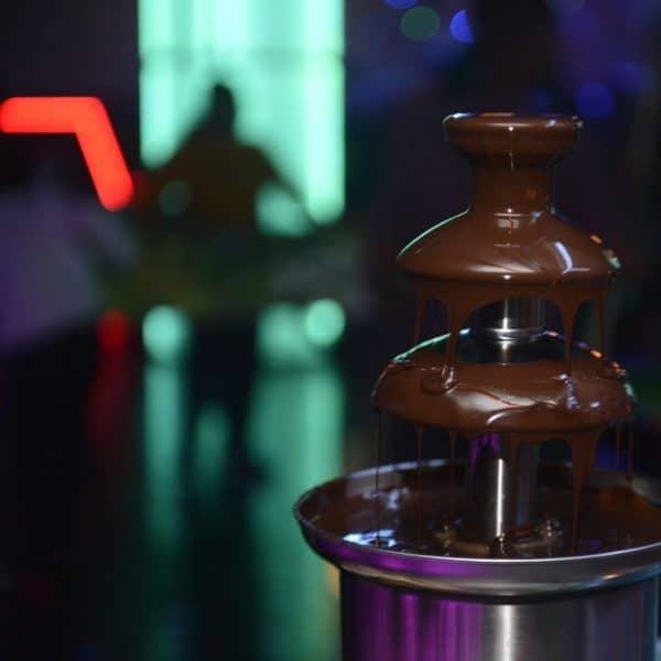 תמונה של מפל שוקולד איכותי במועדון לבת מצווה